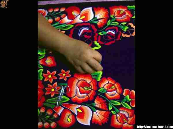 Hand embroidery at Juchit�n